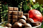 Фото: http://sovershenstvo.club/wp-content/uploads/2016/12/depositphotos_35731873-stock-photo-christmas-sweets-christmas-chocolate-new-768x513.jpg - Kgzt.Ru